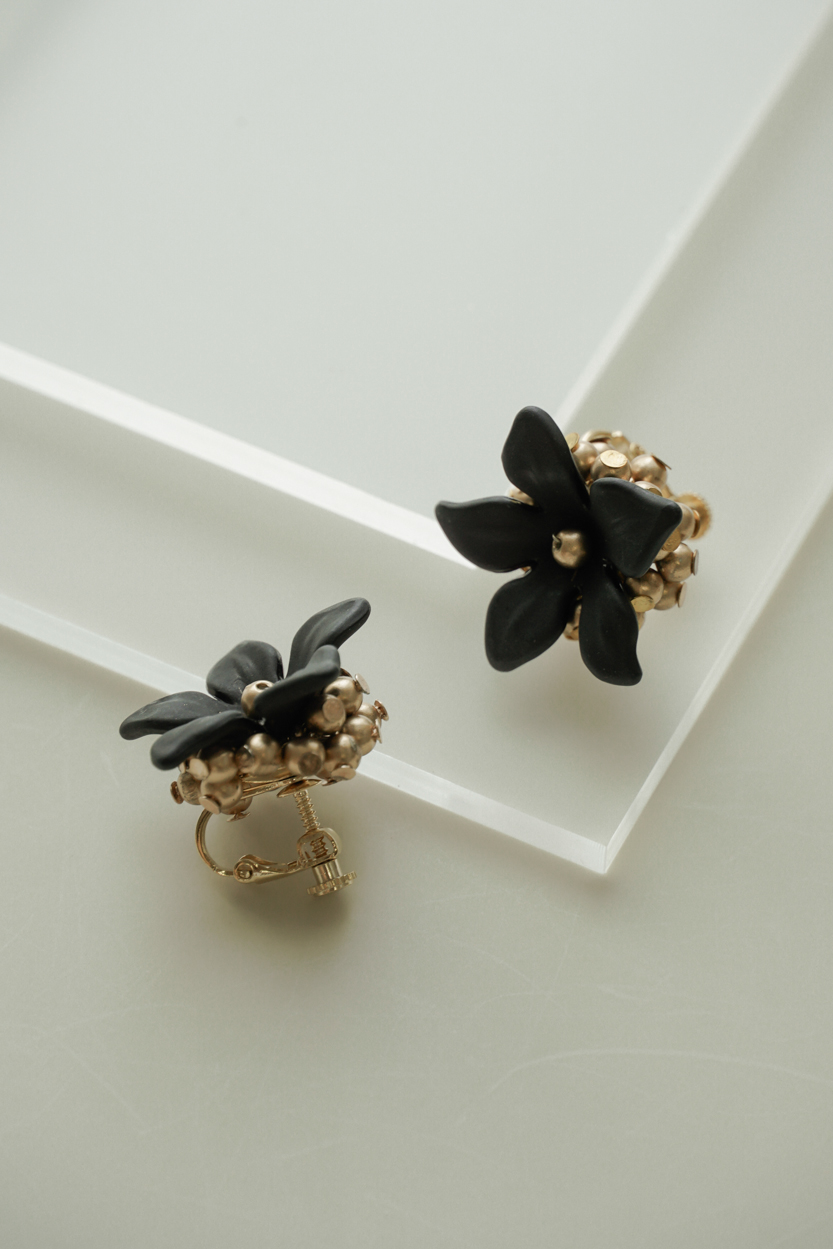 Girona - Clip Earrings