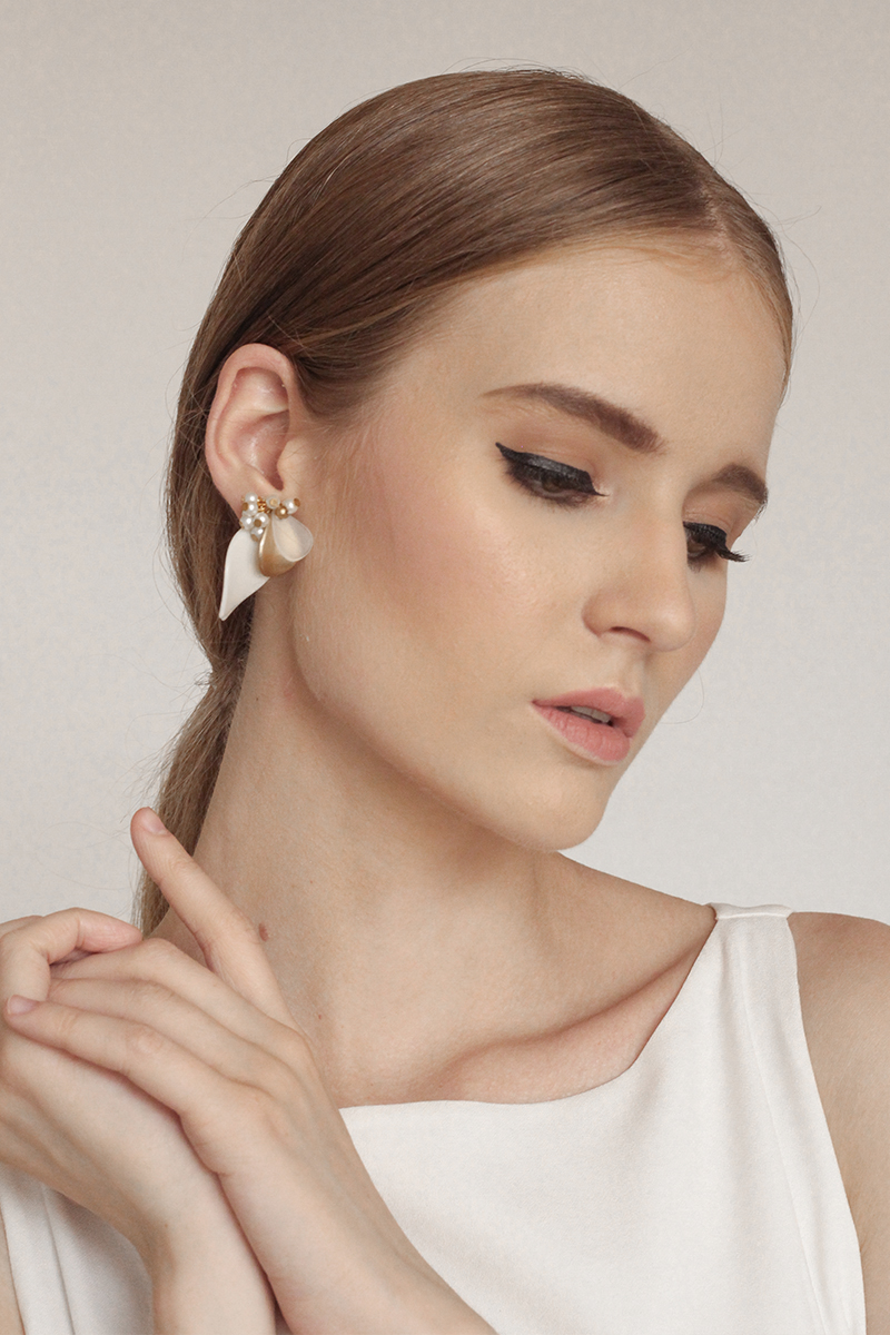 Sacha - Clip Earrings